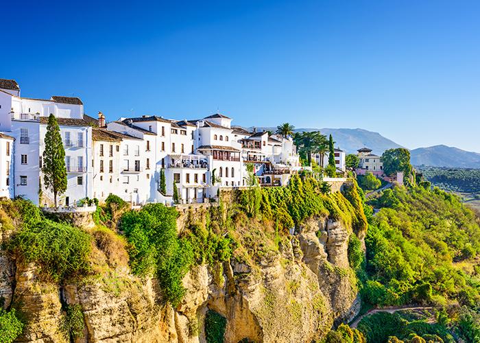6 giorni in auto nel Sud della Spagna: voli, soggiorni e noleggio auto a 299 €