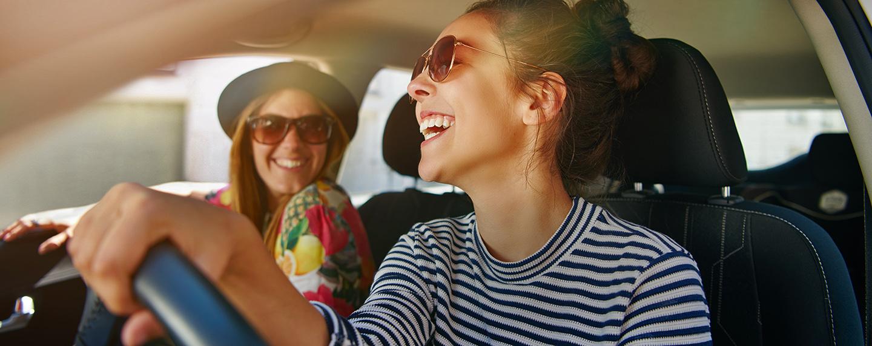 Noleggiare l'auto in città o in aeroporto?